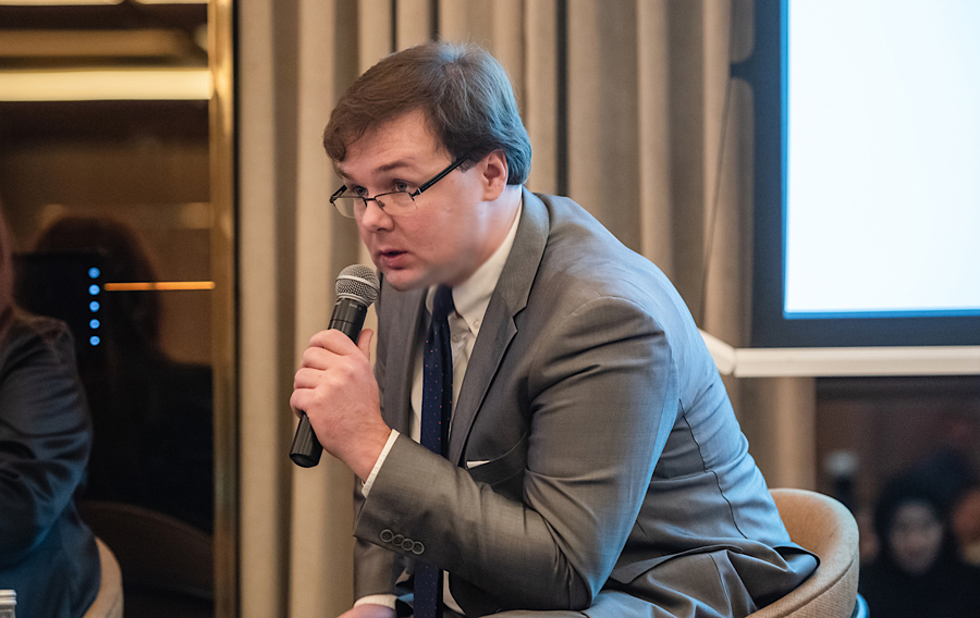 AHCII chairman Lucas Luniewski speaking at the Poland - United Arab Emirates economic forum. Nov. 2018 http://www.arabianhorseculture.com/